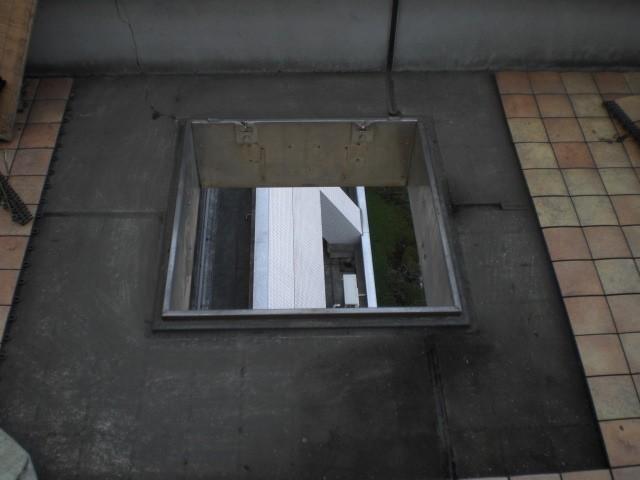(3)既存避難はしご撤去跡